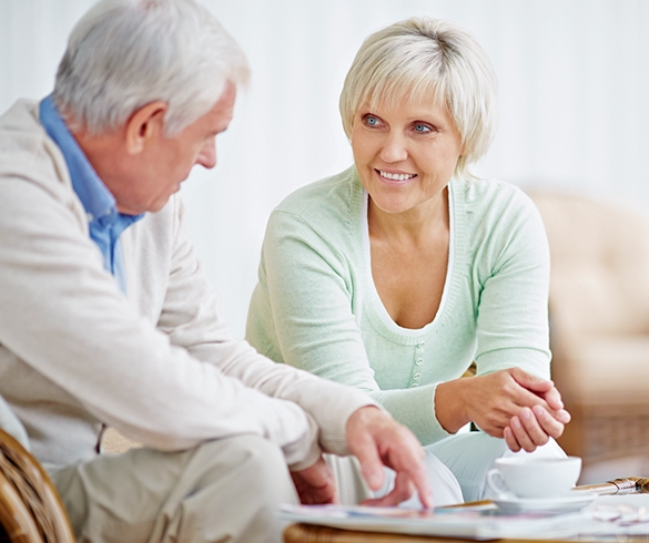 Man and woman discussing over tea. - 12941